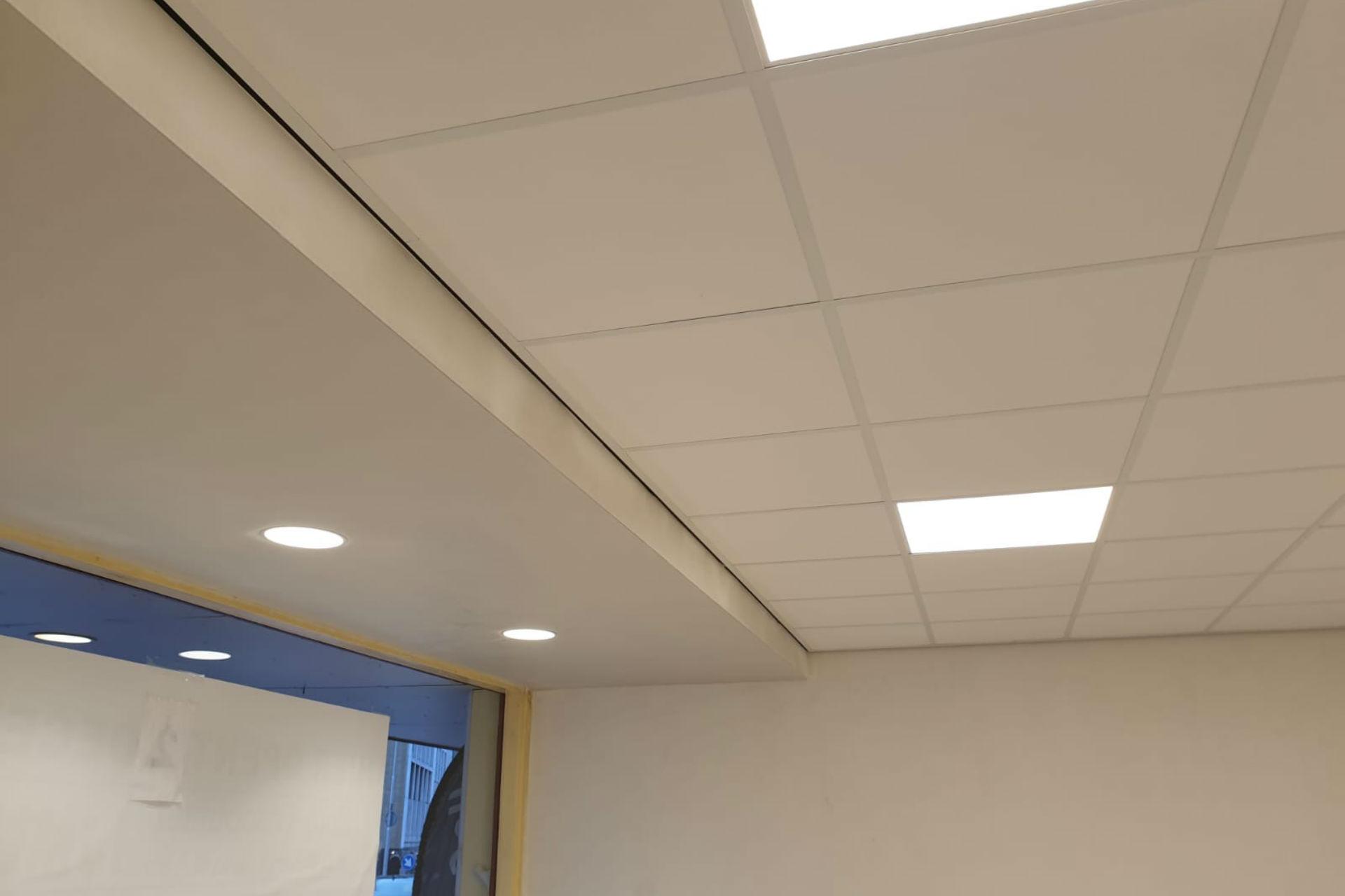 Plafond gerenoveerd door Menger Bouw